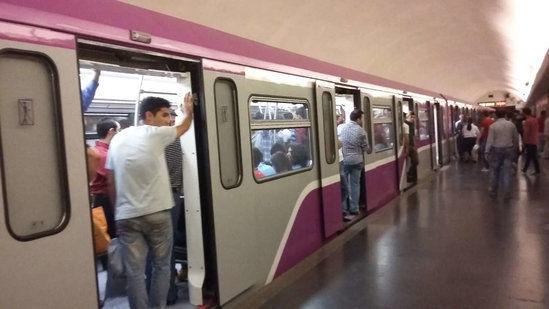 Bakı metrosunda nasazlıq: qatar boşaldıldı
