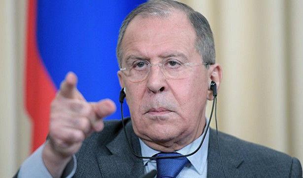 """Lavrov onu izləyən """"böyük qardaş""""dan şikayətləndi"""