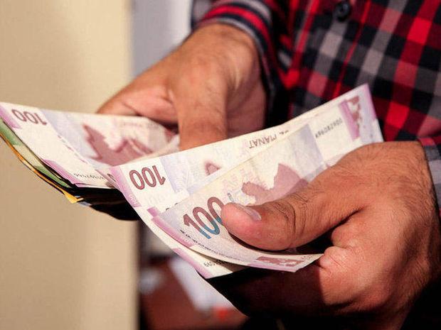Bəzi dövlət qulluqçularının maaşları artırıldı