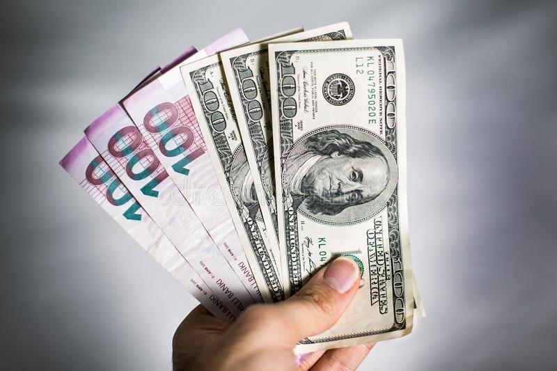Neftin qiyməti 72 dollardan aşağı düşdü