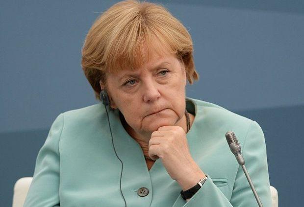 Merkel Krımın itirilməsində ittiham edildi