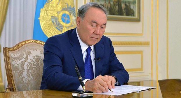 Nazarbayev Xəzərin hüquqi statusu ilə bağlı sənədi imzaladı
