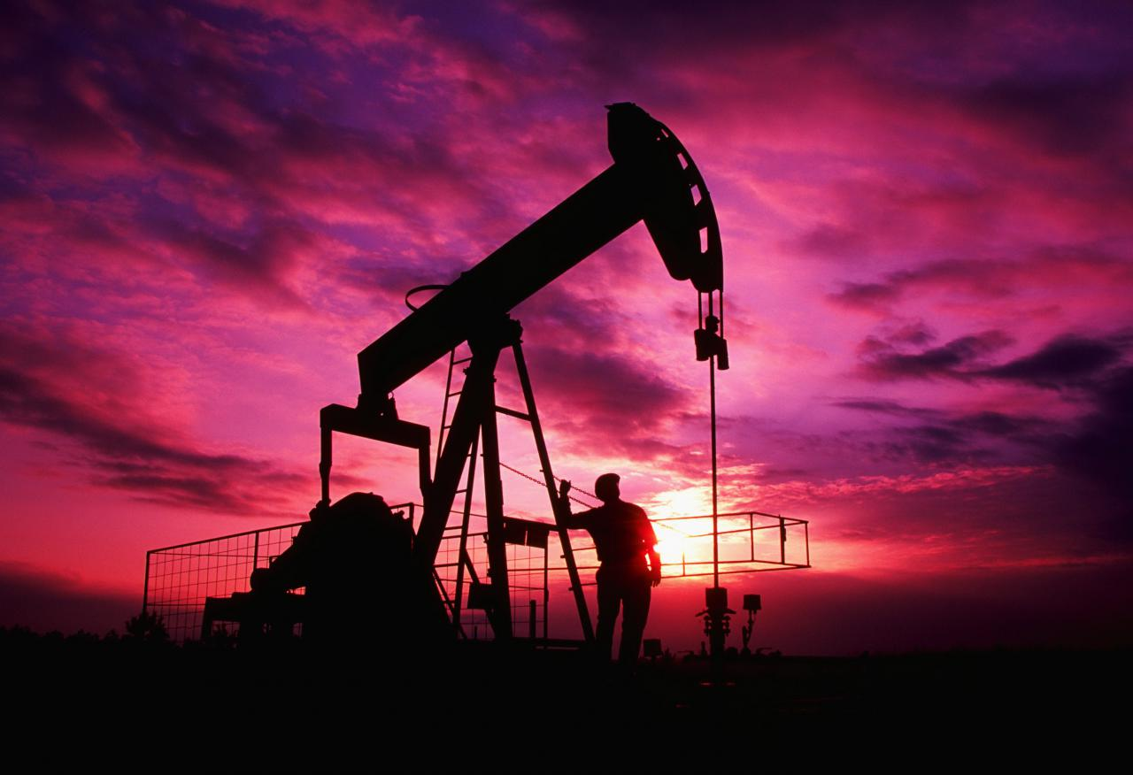 Dünya Bankı neftin qiyməti üzrə proqnozunu aşağı saldı