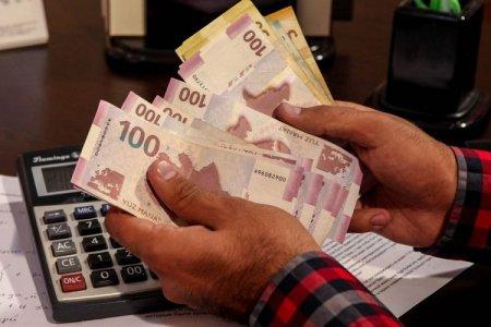 Dövlət qulluqçularının maaşı DƏYİŞDİRİLİR