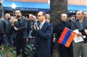 Erməni lobbisi də Serj Sarkisyana qarşı aksiyalara başladı