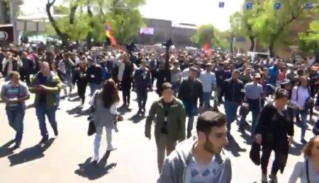 Paşinyan Yerevanı ələ keçirir
