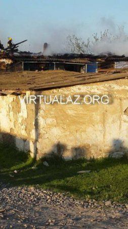 Salyanda müəmmalı yanğın: qazı, işığı olmayan 3 otaqlı ev yandı