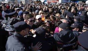 Rusiyanı etiraz aksiyaları bürüdü: Moskvada 300 etirazçı saxlanıldı