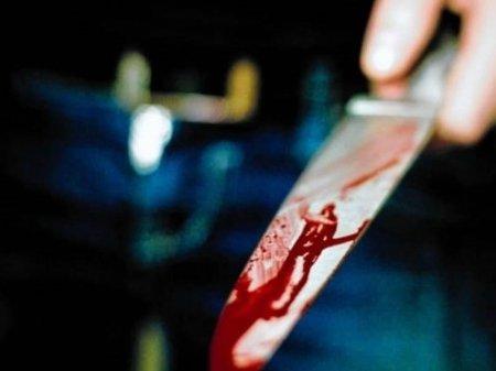 Sumqayıtda kişi öz ürəyinə bir neçə bıçaq zərbəsi vurdu
