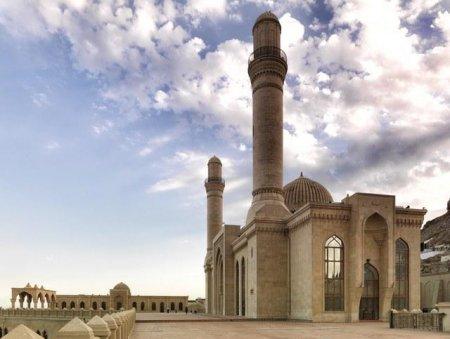 Ramazanın ilk günü üçün dua, imsak və iftar vaxtı