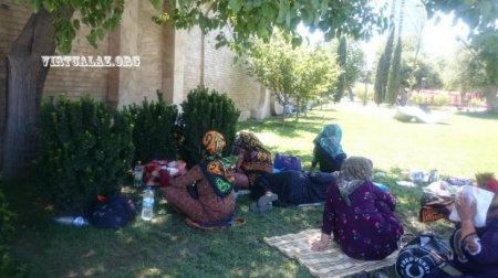 Türkmənlərin Bakıya axını: hamam dəsmalı satıb dollar aparırlar