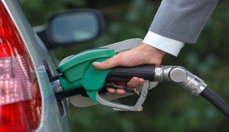 """""""Aİ-92"""" markalı benzinin istehsalı dayandırılır"""