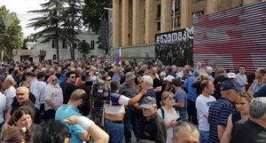 Tbilisidə etiraz aksiyasına bir həftəlik fasilə verilib