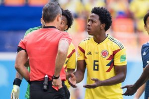 Kolumbiyalı futbolçunu ölümlə hədələdilər