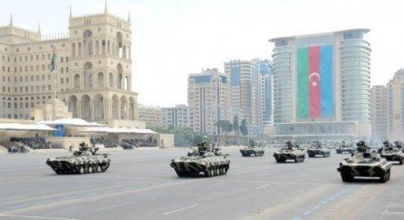 Azərbaycan tankları İsrail və İran müdafiə nazirlərini bir-birindən ayrı saldı