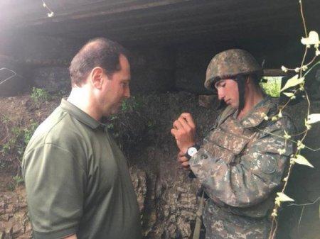 Ermənistanın müdafiə naziri Azərbaycanla sərhəddə