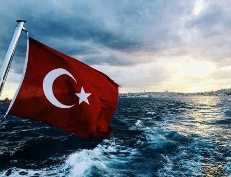 Yunan əsgərləri türk gəmisini atəşə tutdu — Yaralı var