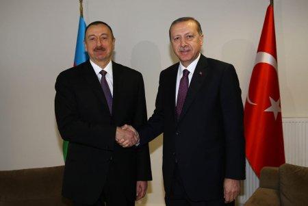 Azərbaycan Prezidenti türkiyəli həmkarını təbrik etdi