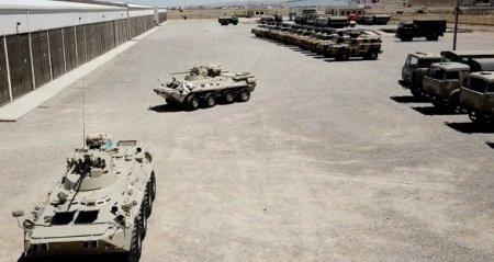 Təlimə cəlb edilmiş tank bölmələri tapşırıqları yerinə yetirirlər