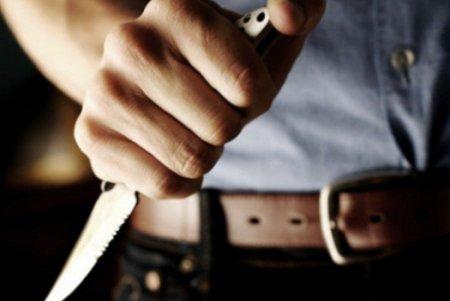 Gəncədə qiyamçı bıçaqla polisin düz ürəyindən vurdu