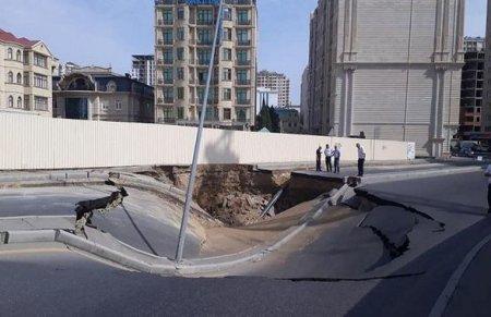Bakının mərkəzində çökən yol bərpa edilir
