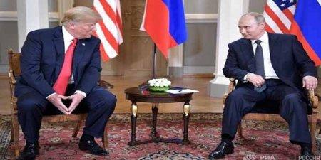 Donald Tramp Helsinki görüşündə Putinə göz vurub