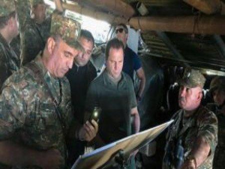 Ermənistanın müdafiə naziri ordunu Naxçıvanla sərhədə topladı