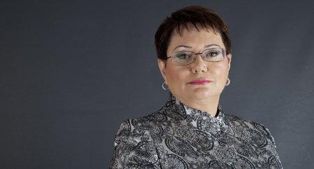 Deputat Elmira Axundovanın səs yazısı  – YENİ NAZİR GƏLƏNDƏN PULUMU VERMİRLƏR