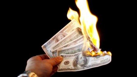 Türkiyə ABŞ-ı ÇÖKDÜRÜR: Dollar kəskin ucuzlaşır