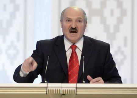 """Lukaşenko hökuməti """"təmizlədi"""""""