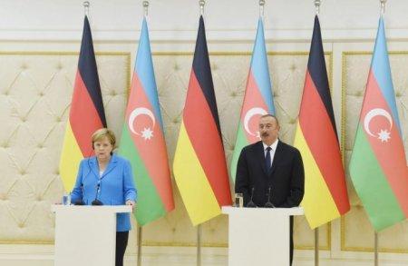 """Merkel : """"Qarabağ münaqişəsinin həllinə dəstək olmaq istərdik"""""""