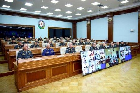 Müdafiə Naziri Zakir Həsənov ordu komandanlarını xüsusi müşavirəyə topladı