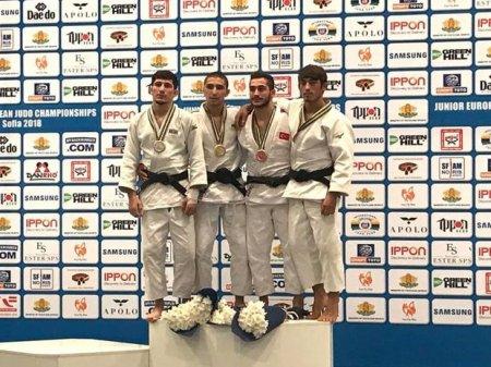 Avropa çempionatının ilk günündə dörd medal qazandıq