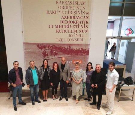 """Xalq artisti """"Türk ordusuna"""" """"Bismillah"""" dedi"""