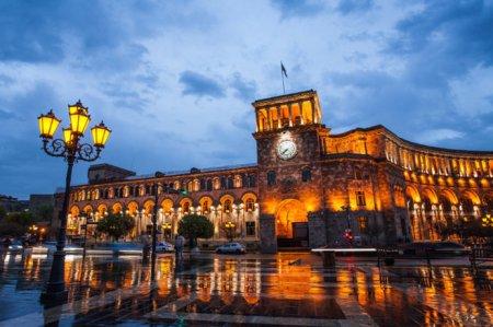 Ermənistan hökumətindən iki nazir geri çağırıldı