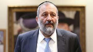 İsrailin daxili işlər naziri maliyyə fırıldağında ittiham olunur