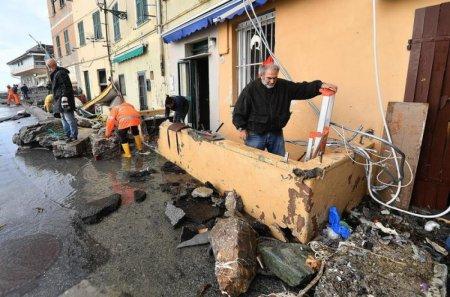 İtaliyada güclü fırtına 11 nəfərin ölümünə səbəb olub