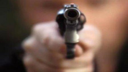 Keçmiş sevgilisinin evinə getdi, alnından vuruldu