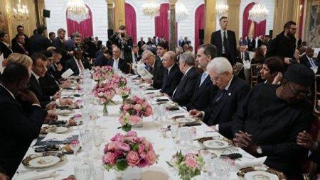 Yelisey Sarayında Trampla Putini yanaşı oturmağa qoymadılar
