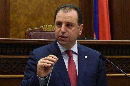 Ermənistanın sabiq müdafiə naziri Bakıya iki dəfə zəng edib