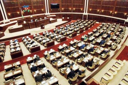 2019-cu il dövlət büdcəsi birinci oxunuşda qəbul edildi