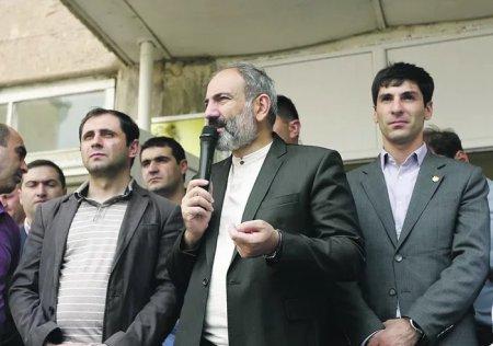 Paşinyan Çəmbərəkdən Qarabağ separatçılarını hədələdi