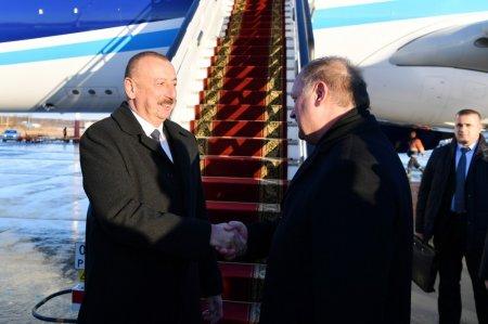 İlham Əliyev Putinin dəvəti ilə Peterburqa gedib