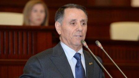 Novruz Məmmədov parlamentdə ilk hesabatını verir