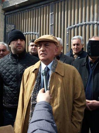 Əli İnsanov: