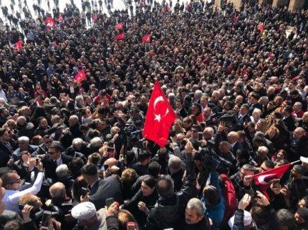 İstanbulun yeni rəhbəri türkləri Atatürkə qaytarır