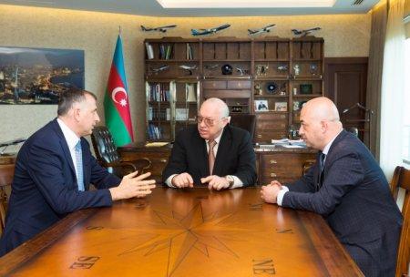 AZAL prezidenti Batumi şəhərinin meri ilə görüşüb