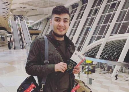 Bloger Mehman Hüseynovun Azərbaycanı tərk edir