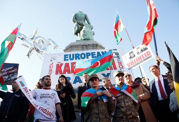 Azərbaycanlıların Brüssel mitinqi: Qarabağa qayıtmaq istəyirik!