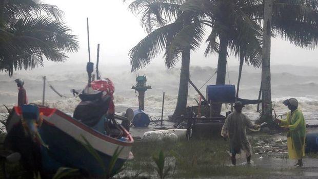 Tailandda qasırğa nəticəsində dörd nəfər həlak olub